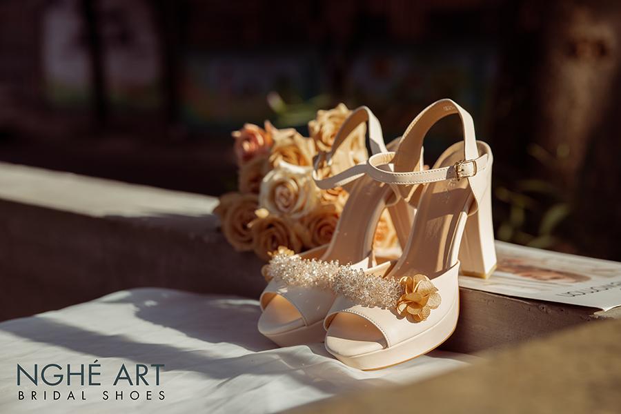 Giày cưới Nghé Art cao gót đính hoa pha lê 341 nude - Ảnh 4 -  Nghé Art Bridal Shoes – 0908590288
