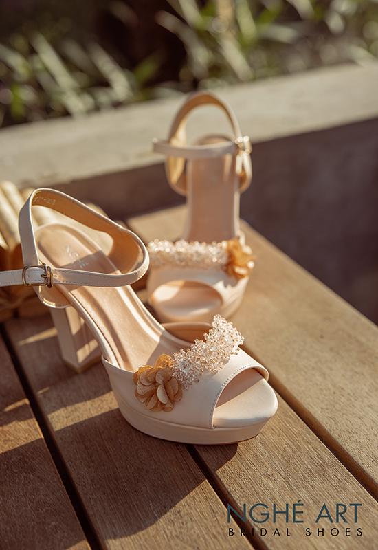Giày cưới Nghé Art cao gót đính hoa pha lê 341 nude - Ảnh 5 -  Nghé Art Bridal Shoes – 0908590288