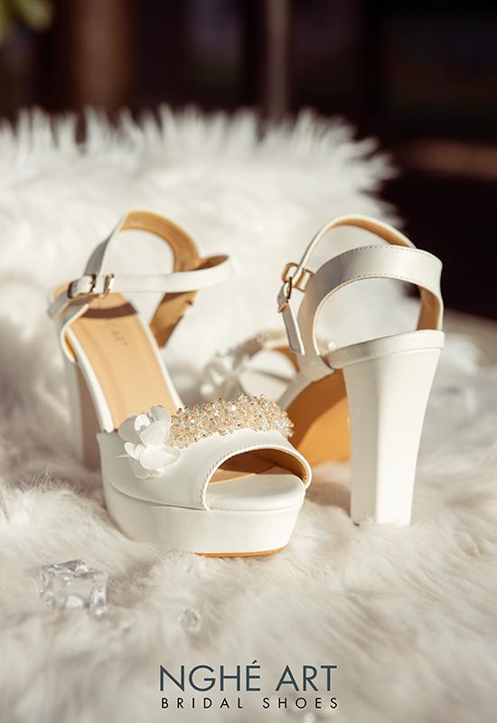 Giày cưới Nghé Art cao gót đính hoa pha lê 341 trắng - Ảnh 4 -  Nghé Art Bridal Shoes – 0908590288