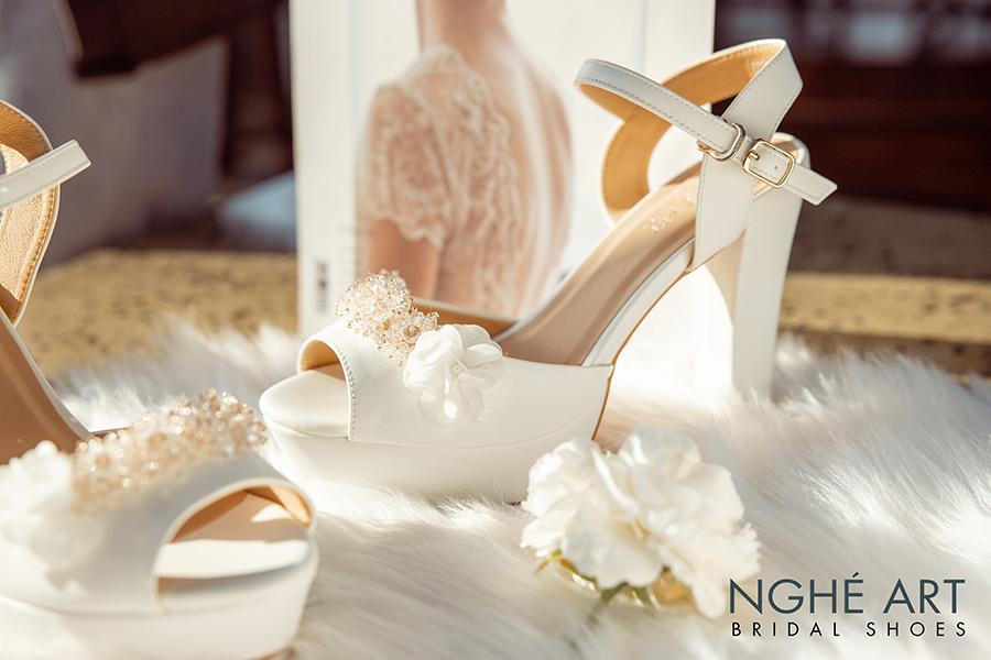 Giày cưới Nghé Art cao gót đính hoa pha lê 341 trắng - Ảnh 5 -  Nghé Art Bridal Shoes – 0908590288