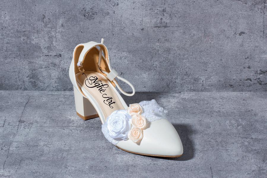 Giày cưới gót vuông hoa 153 - Ảnh 3 -  Nghé Art Bridal Shoes – 0908590288