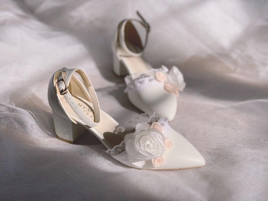 Giày cưới gót vuông hoa 153- Ảnh 7- Nghé Art Bridal Shoes – 0908590288