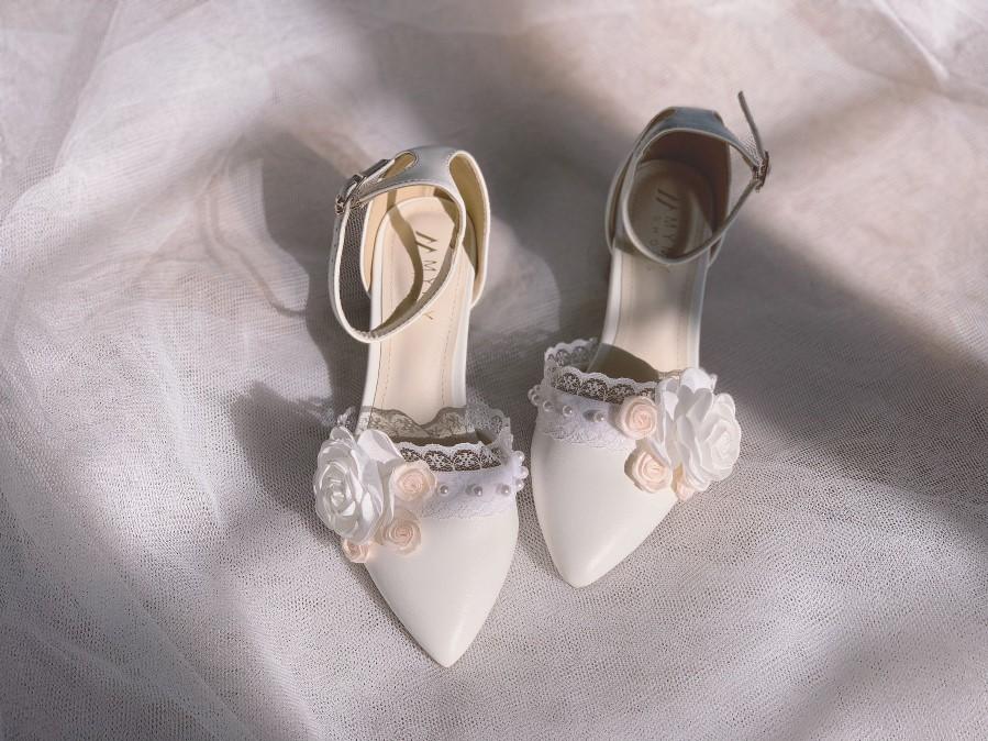 Giày cưới gót vuông hoa 153- Ảnh 9- Nghé Art Bridal Shoes – 0908590288