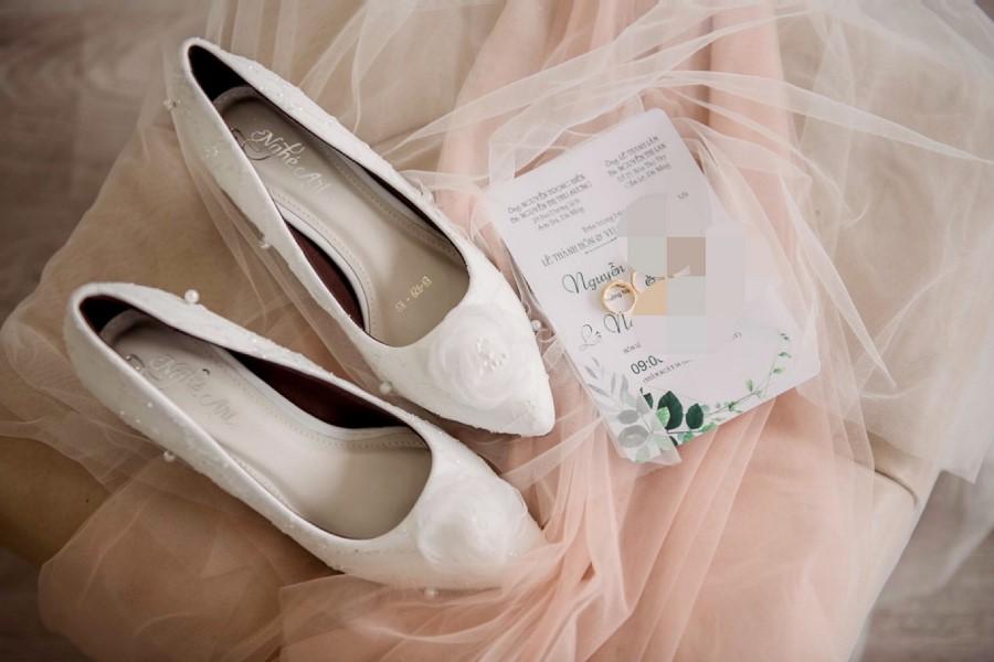 Giày cưới kim tuyến ngọc trai 184 - Ảnh review 1 - Nghé Art Bridal Shoes – 0908590288