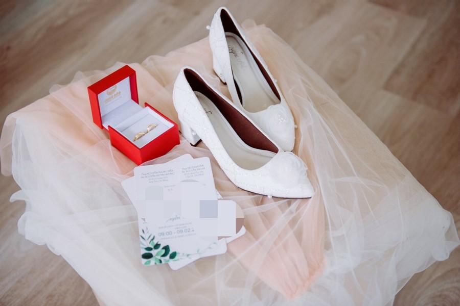 Giày cưới kim tuyến ngọc trai 184 - Ảnh review 2 - Nghé Art Bridal Shoes – 0908590288